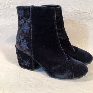 Kenneth Cole Navy Blue Renna Boots